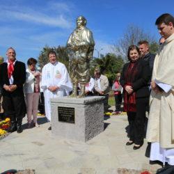 Em 2018, primeira festa foi marcada pelo lançamento de estátua e memorial de Padre Pedro Rizzon (Foto: Zaíra Ballardin)